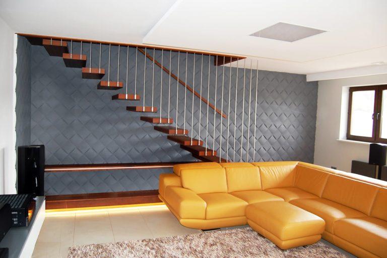 Drewno to bardzo popularny materiał do budowy schodów