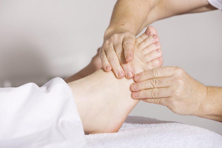 Relaksacyjne działanie masaż tajskiego stóp