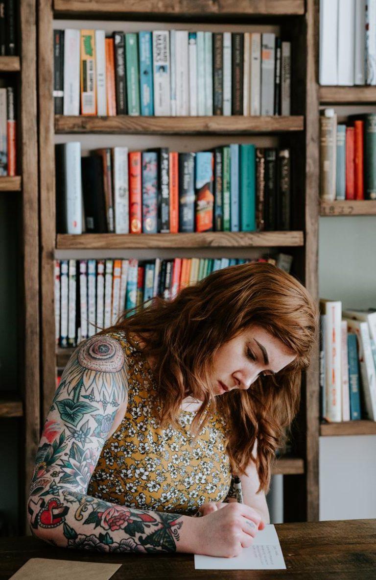 Ciekawe wzory damskiego tatuażu